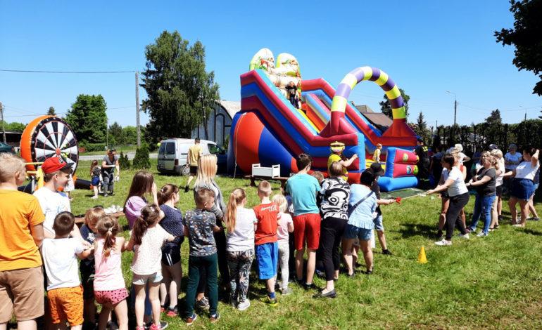 Rodzinne imprezowanie z Fundacją Lokalną w gminie Nowa Wieś Lęborska