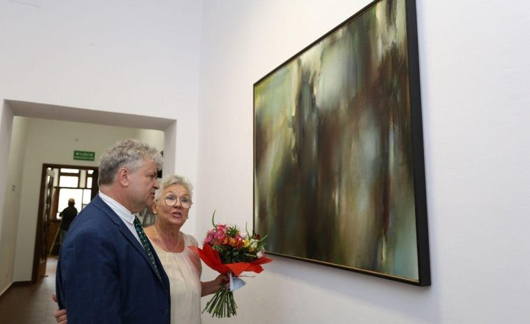 Malarstwo Krzysztofa Grzesiaka w lęborskim ratuszu