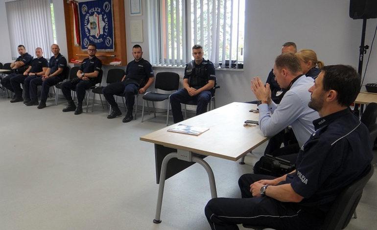 Zwiększone siły policyjne na terenie Łeby i gminy Wicko