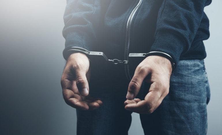 Podejrzani o kradzież z włamaniem. Jeden miał narkotyki
