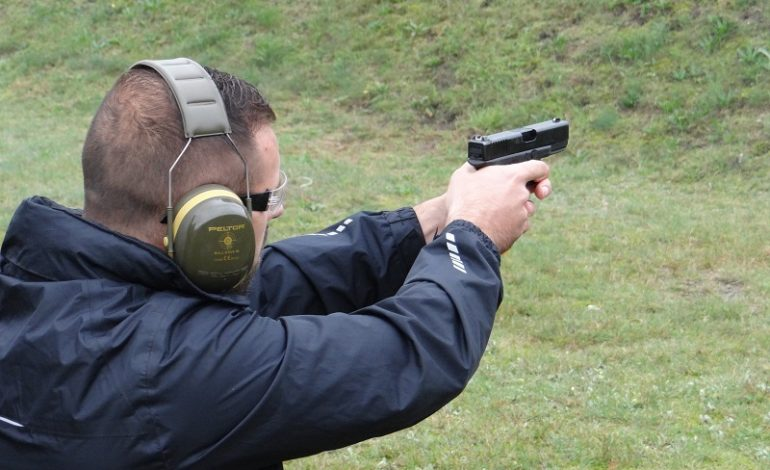 Lęborscy policjanci brali udział w treningu strzeleckim